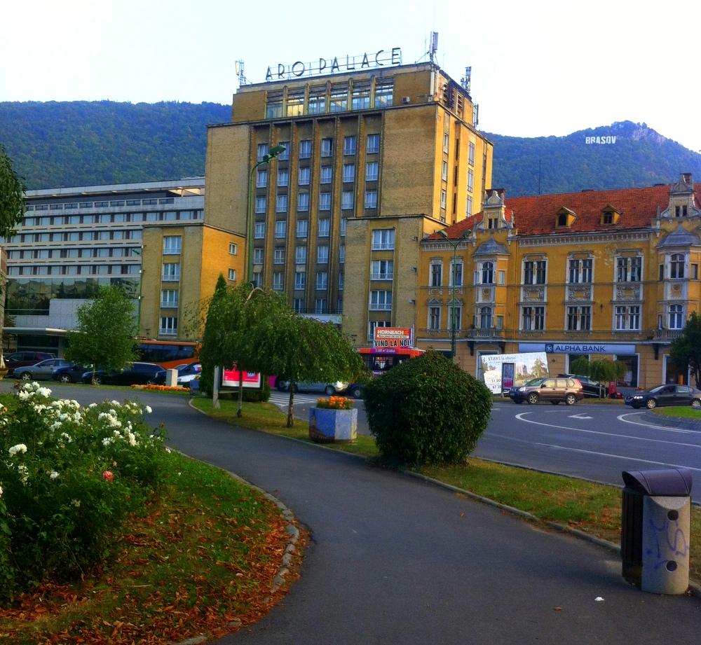 """Brasov """"Aro Palace""""- ein Tag in einer ehemaligen deutschen Stadt- Brasov-Rumänien-reisen mit Kind-Vegan"""