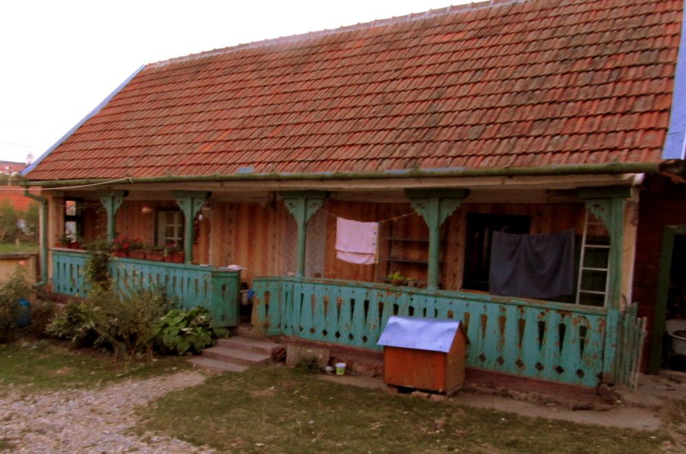 Rumänien- Stanicova-Theodoras Bauernhäuschen-man lebt zu dritt auf kleinen Raum-reisen mit Kind-leben im Camper