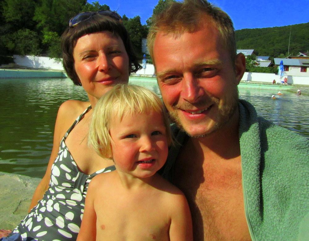 "Familienbild ""Aerohtravelkitchen"" on the Beach, Rumänien- Mineralquelle Rumänien- Gesundheit Rumänien-reisen mit Kind-Urlaub Rumänien-Camper Urlaub"