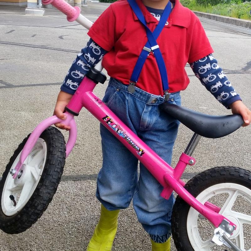 Kindheit-Laufrad-Gleichgewicht-SecondHand-ortsunabhängig-Familie-reisen