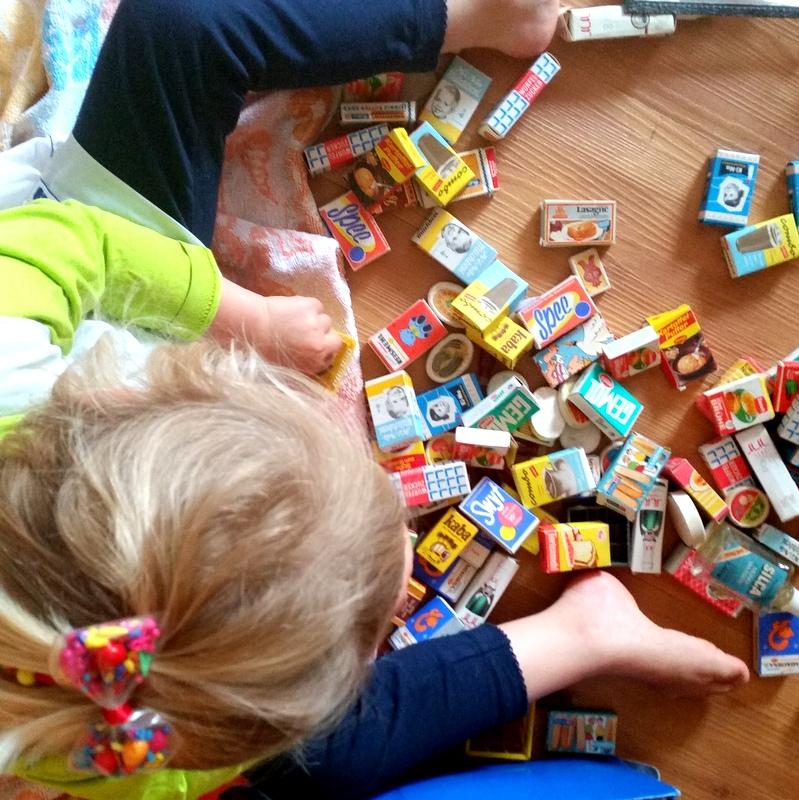 Kindheit- spielen- Kaufmannsladen- DDR