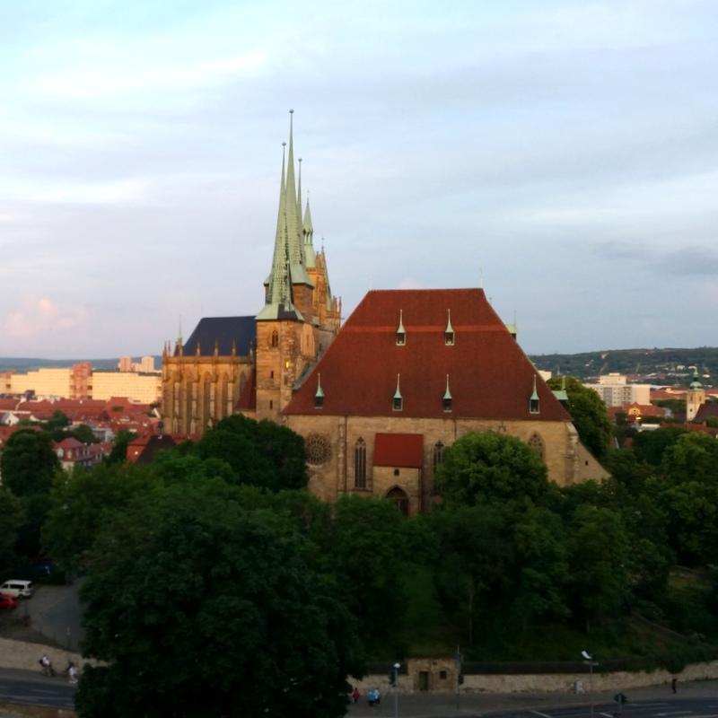 Erfurt- Dom und Severikirche- Abend- Petersberg- Sommer