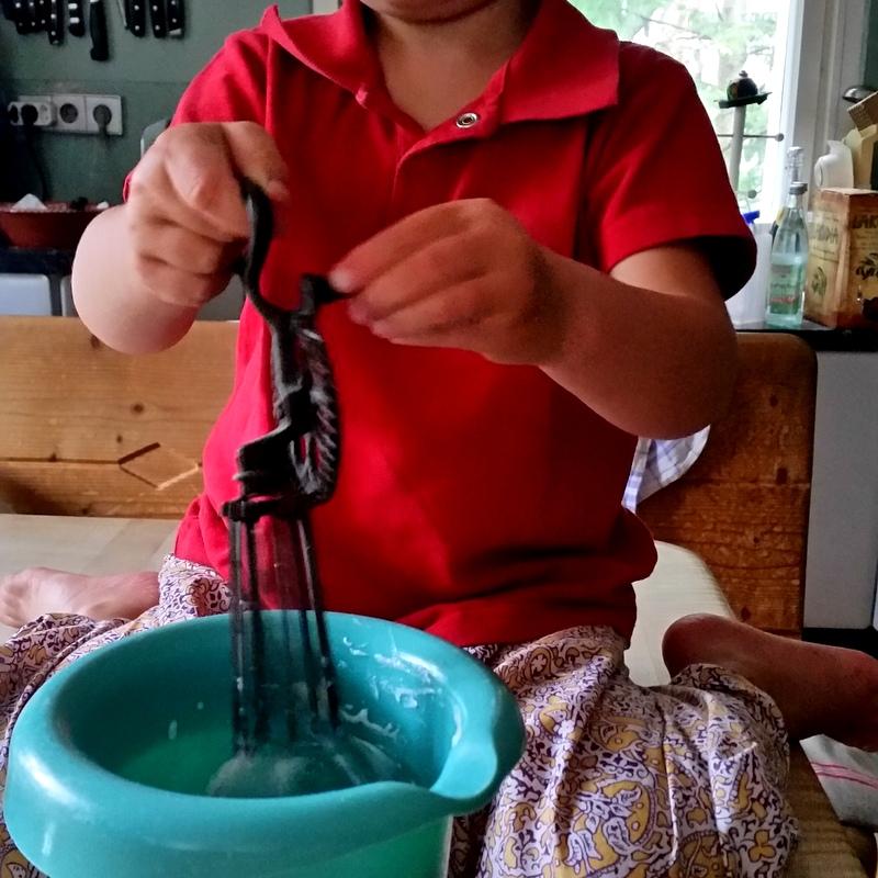Schlagsahne ohne Strom- Handmixer- Omas Zeiten- Attachment Parenting- Nomaden- ortsunabhängig- Familie