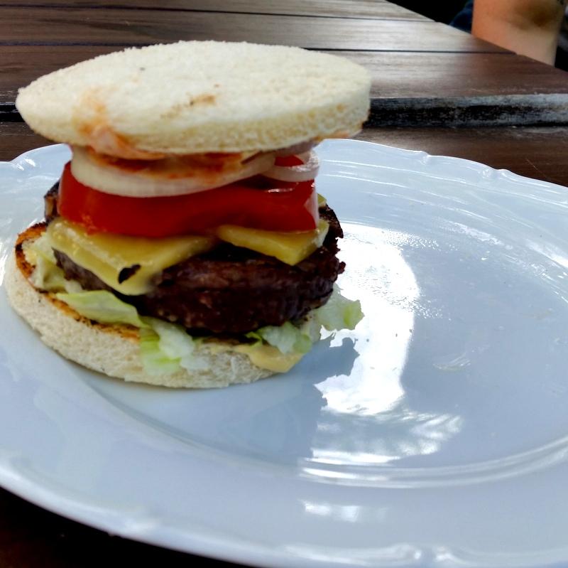 Burger- Rehburger- Paleo-Cheeseburger- 100%Wild- Jäger- zuckerfreien Ketchup