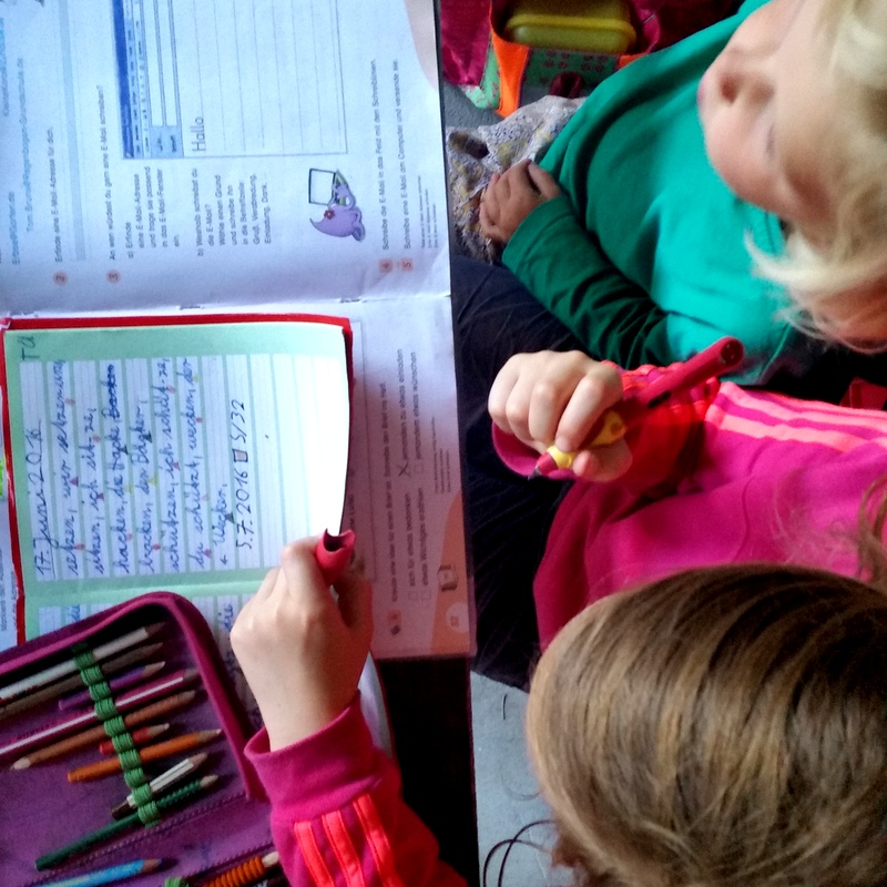 Hausaufgaben-gemeinsam-helfen-lernen