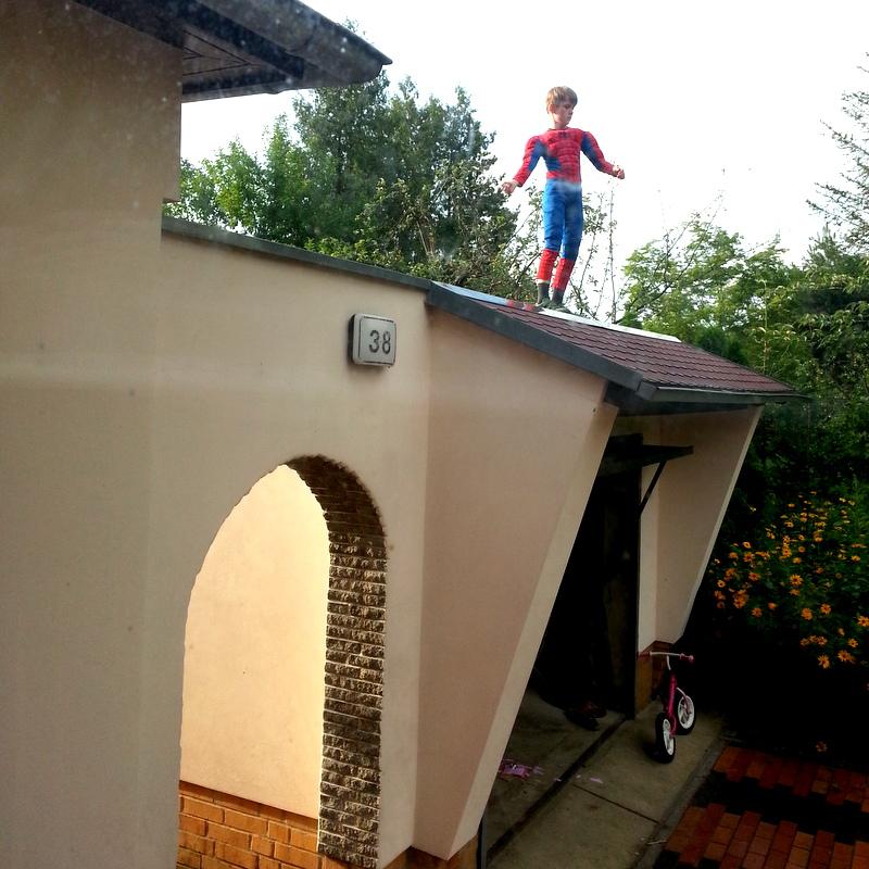 Spiderman- Kindheit- Superhelden-frei- wild-Attachment Parenting
