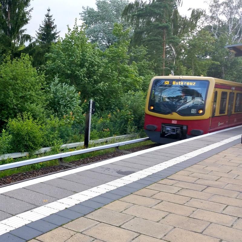 Weg zur Arbeit- S Bahn Berlin- BVG- öffentlicher Verkehr- Arbeitsweg- Berlin- Ostkreuz