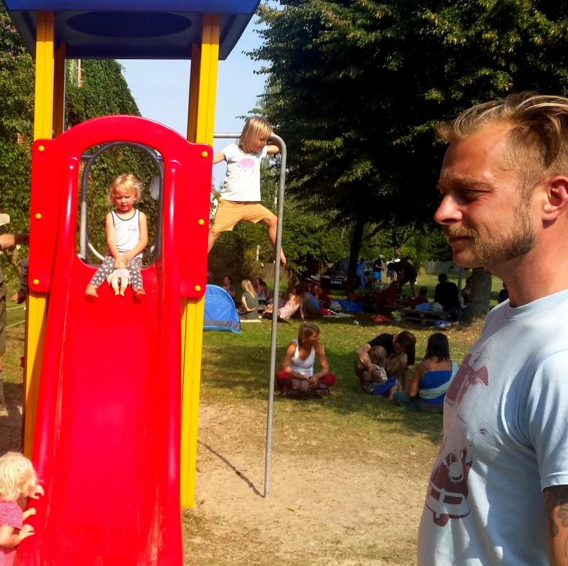 Schulfrei Festival- Spielplatz- freies Spiel- Spielen ohne Angst- Kind vertrauen