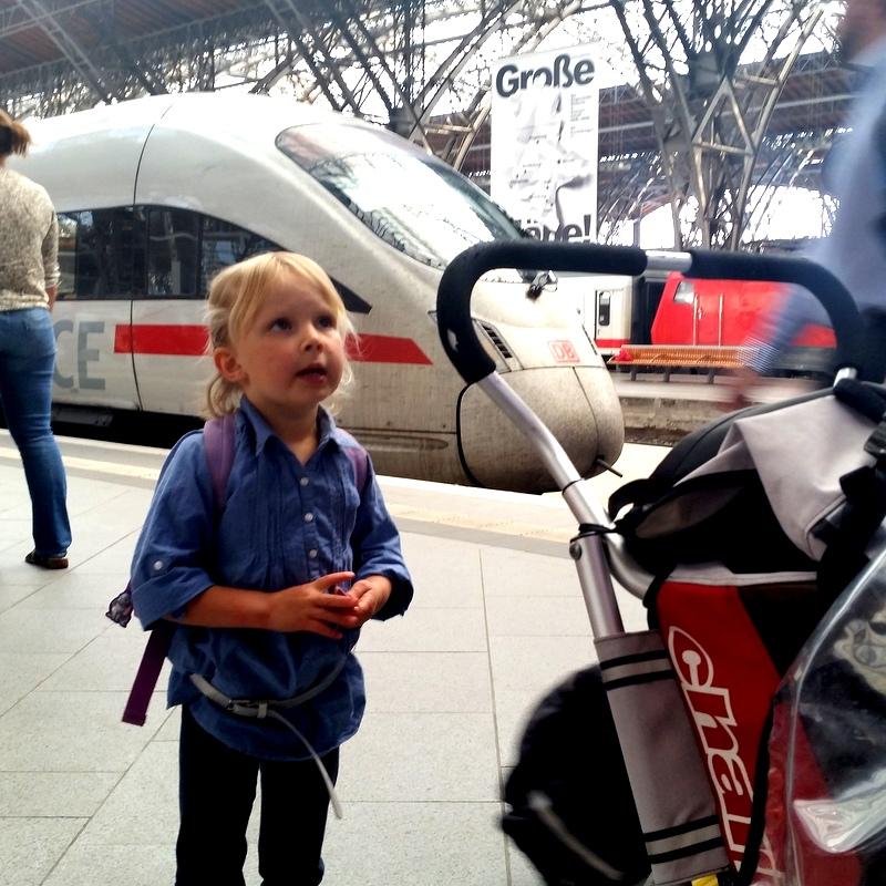 Reisen mit KInd- Zug mit Kind- Mutter Kind Abteil
